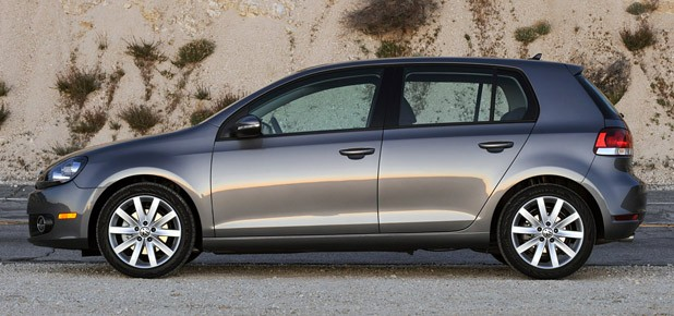 review  volkswagen golf tdi delivers potent   punch  efficiency  entertainment