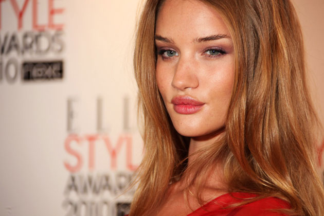 Transformers 3 : Dark Of The Moon 01-rosie-huntington-whitley-630op