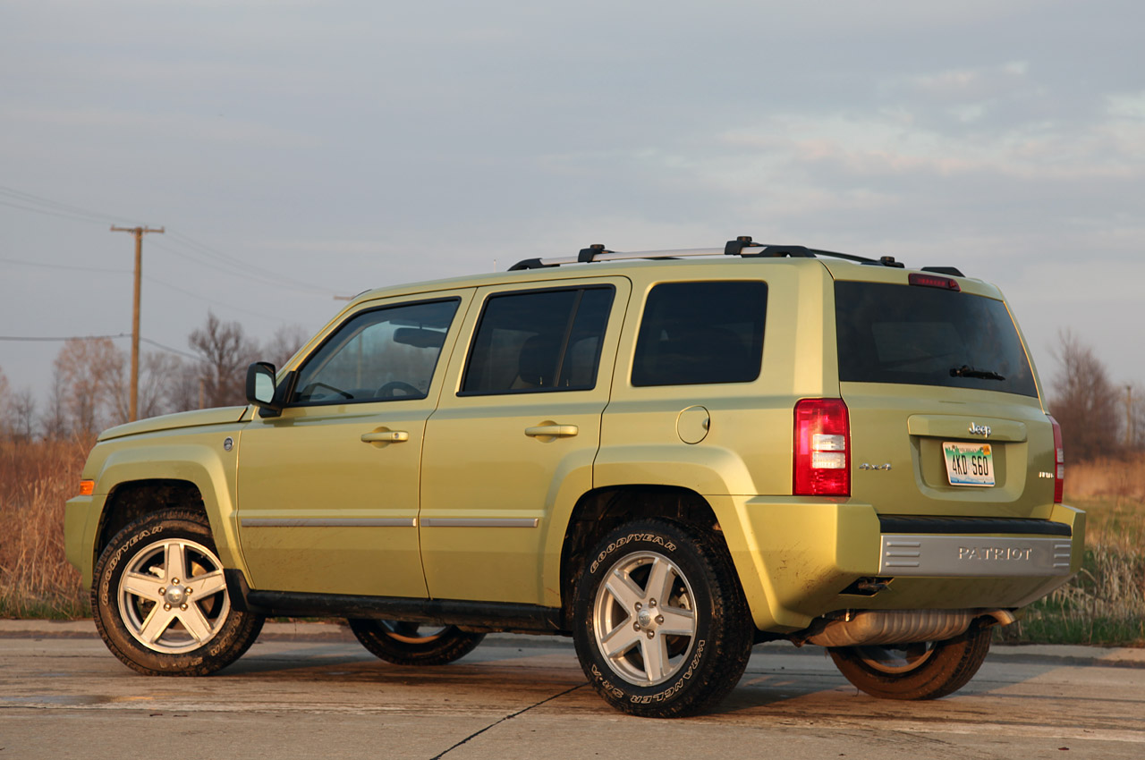 Review  2010 Jeep Patriot Photo Gallery