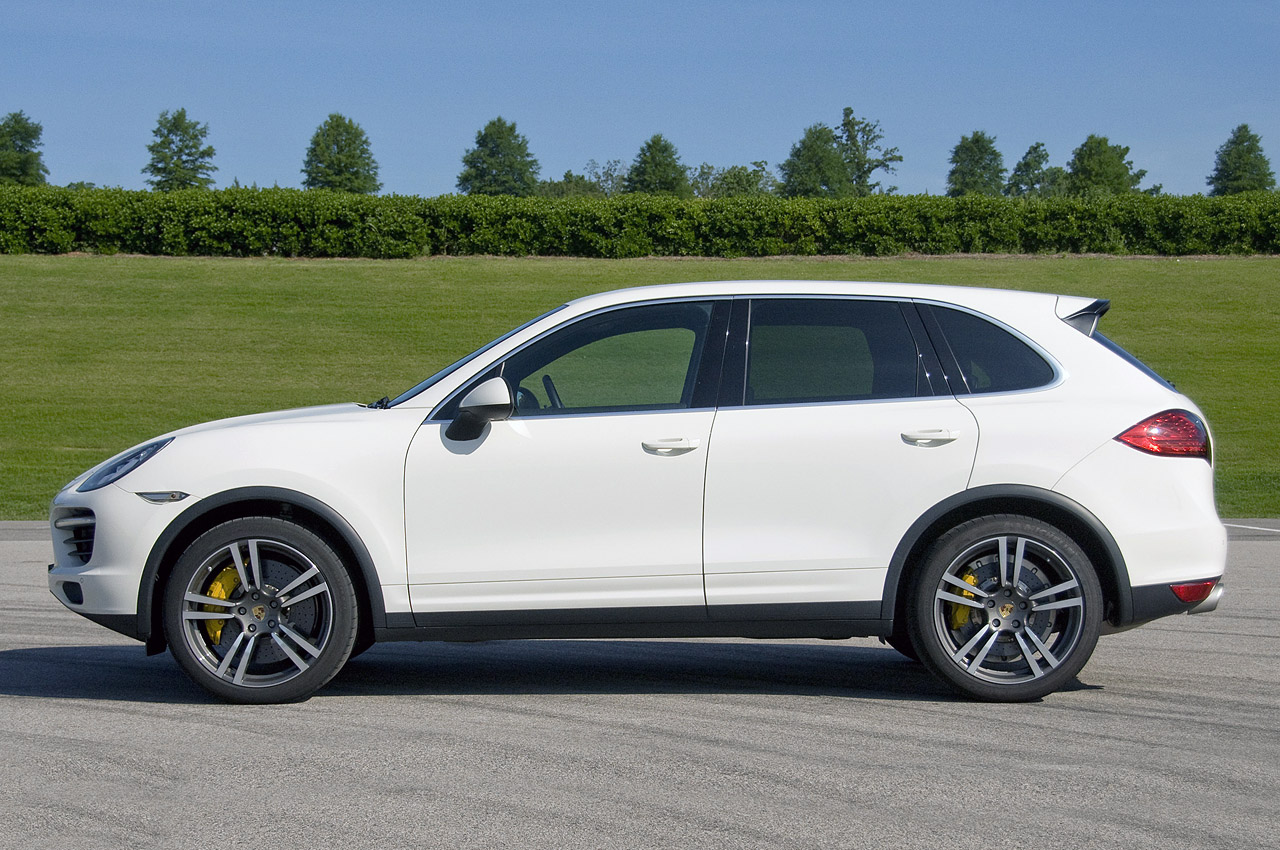 2011 Cayenne Real World Pictures 6speedonline Porsche