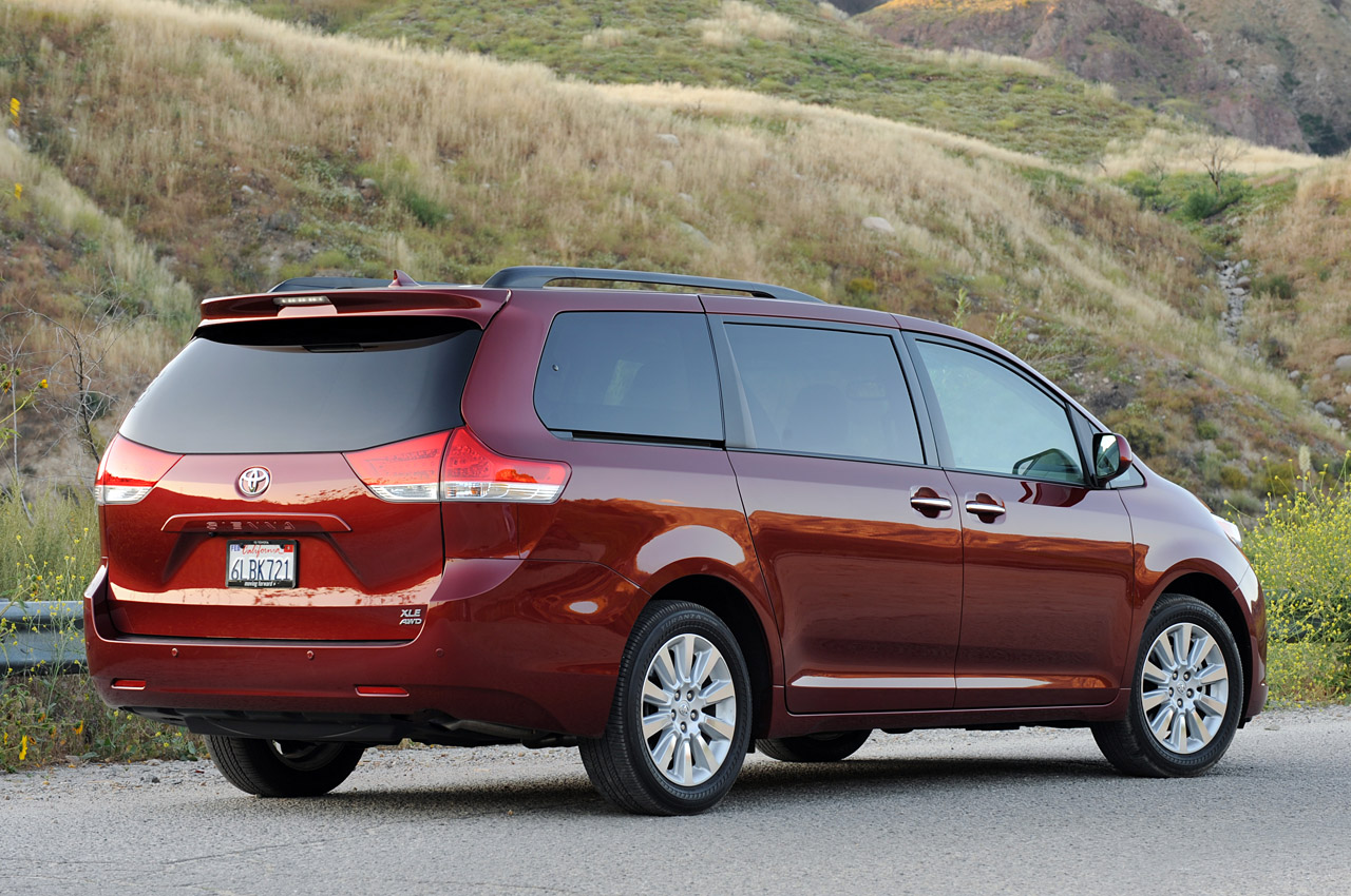 2011 toyota sienna review ratings specs prices and autos post. Black Bedroom Furniture Sets. Home Design Ideas