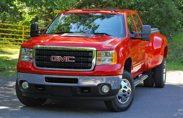 Chevy Silverado and GMC Sierra Heavy Duty trucks set new HD standard