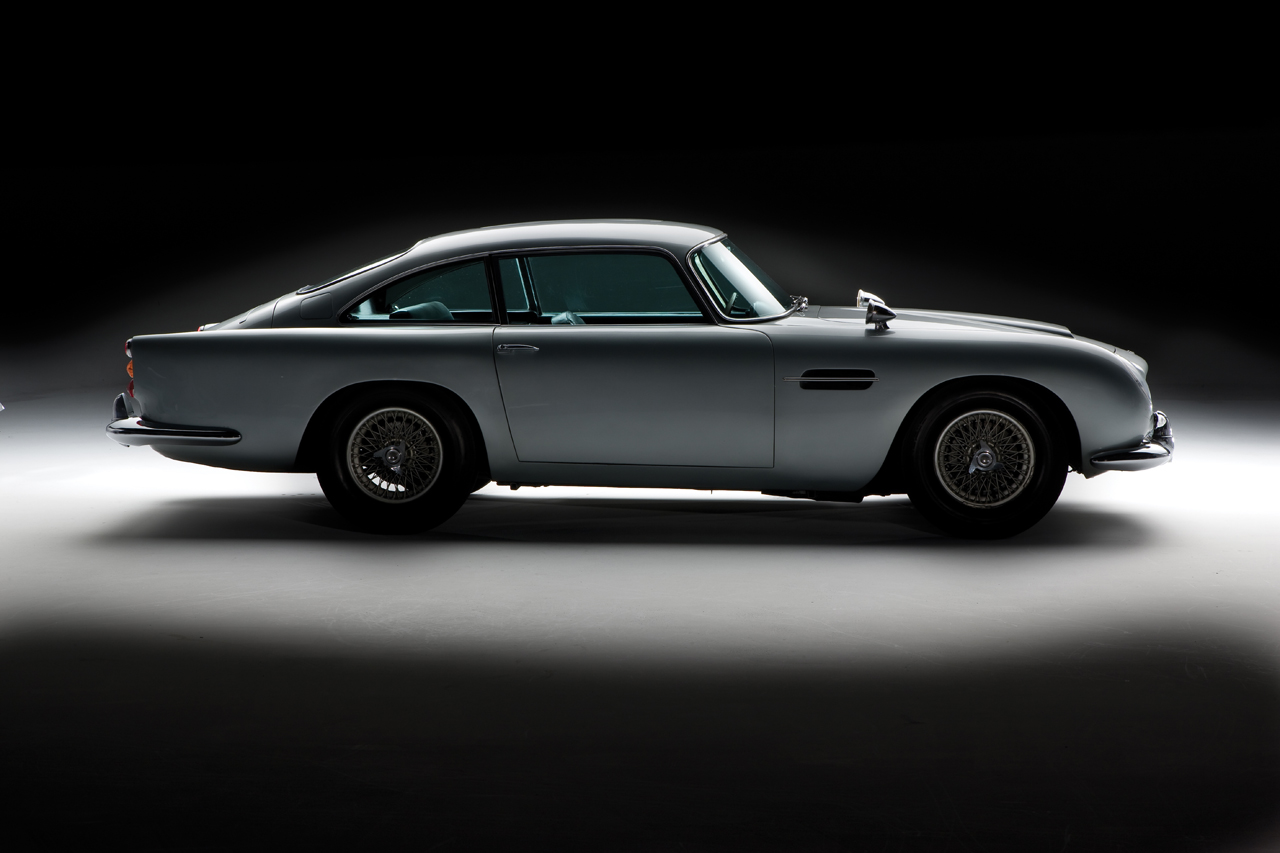 James Bond S 1964 Aston Martin Db5 Photo Gallery Autoblog
