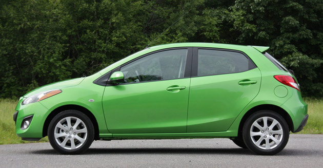 first drive 2011 mazda2 puts fun before frugality autoblog. Black Bedroom Furniture Sets. Home Design Ideas