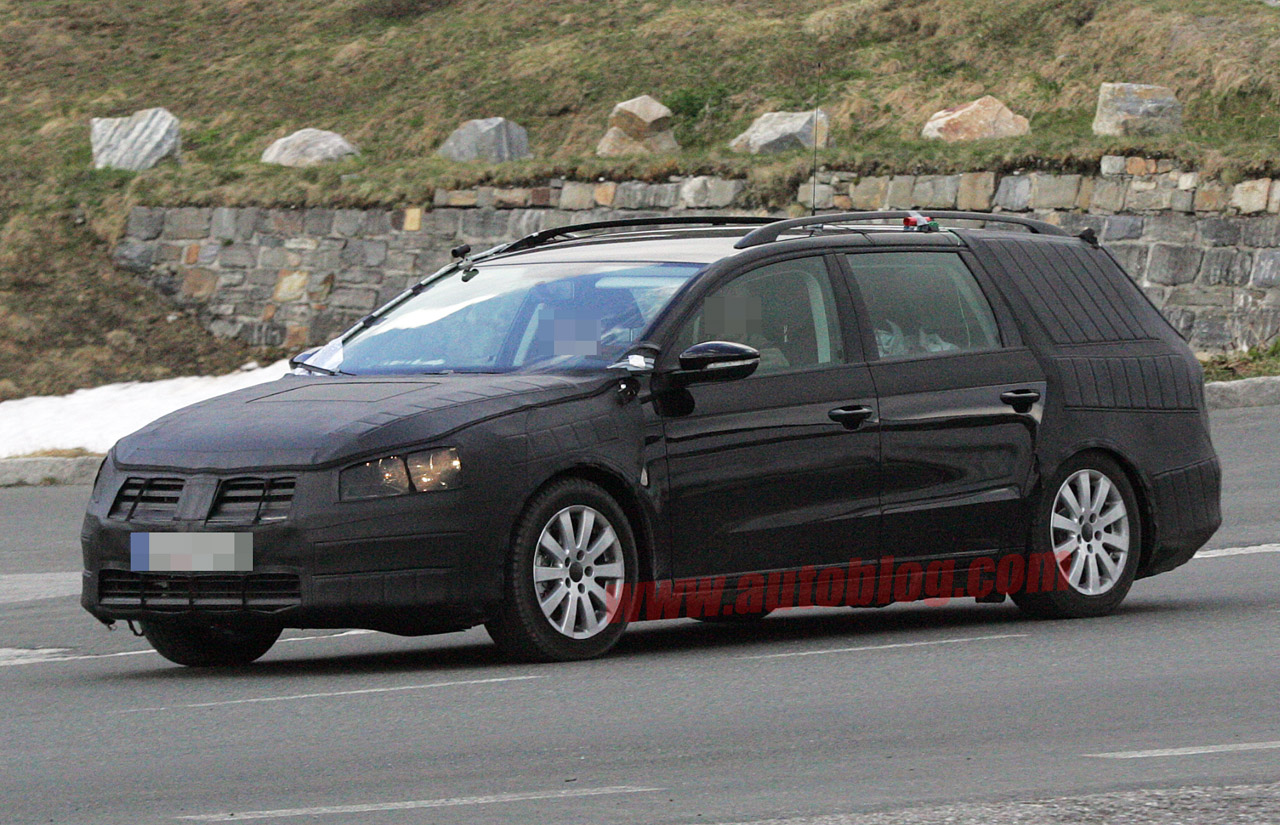 spy shots 2011 volkswagen passat wagon reveals its roomy rear nordschleife autoblahg. Black Bedroom Furniture Sets. Home Design Ideas