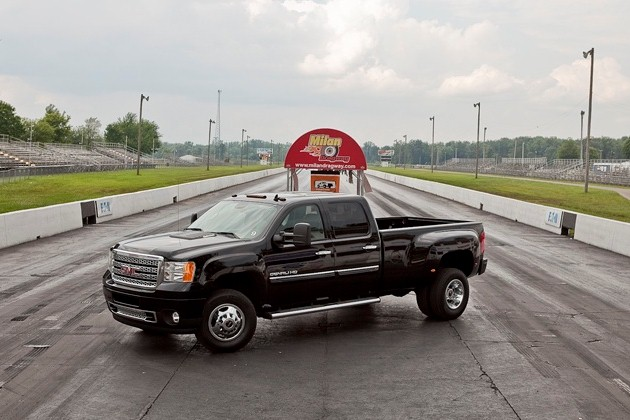 2011 GMC Sierra Denali 3500 – Click above to enlarge