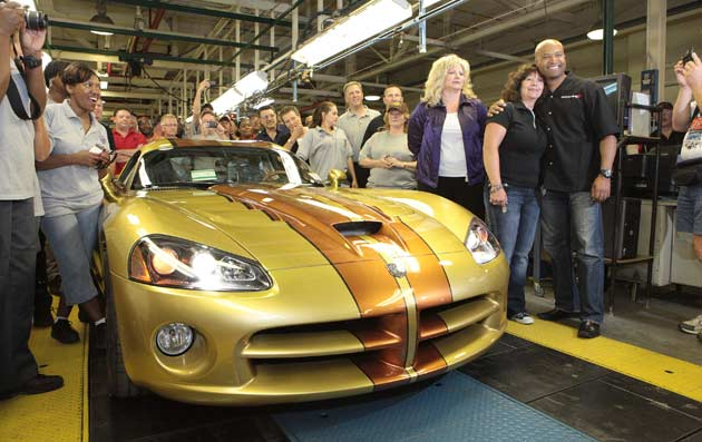 Final Dodge Viper reaches the end of production line