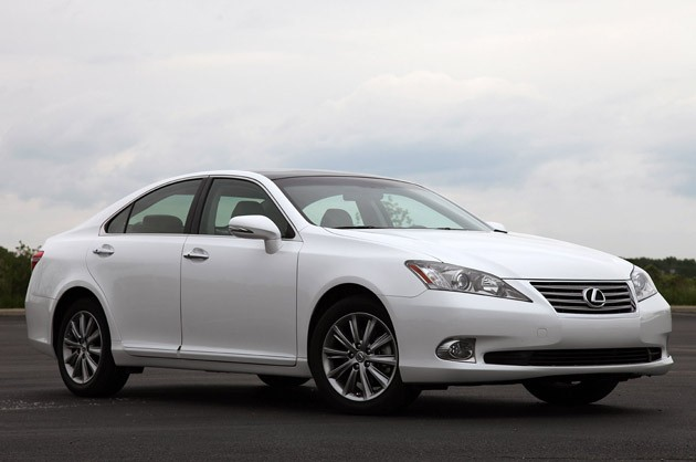 review 2010 lexus es 350 is soft riding royalty that 39 s lost its crown. Black Bedroom Furniture Sets. Home Design Ideas
