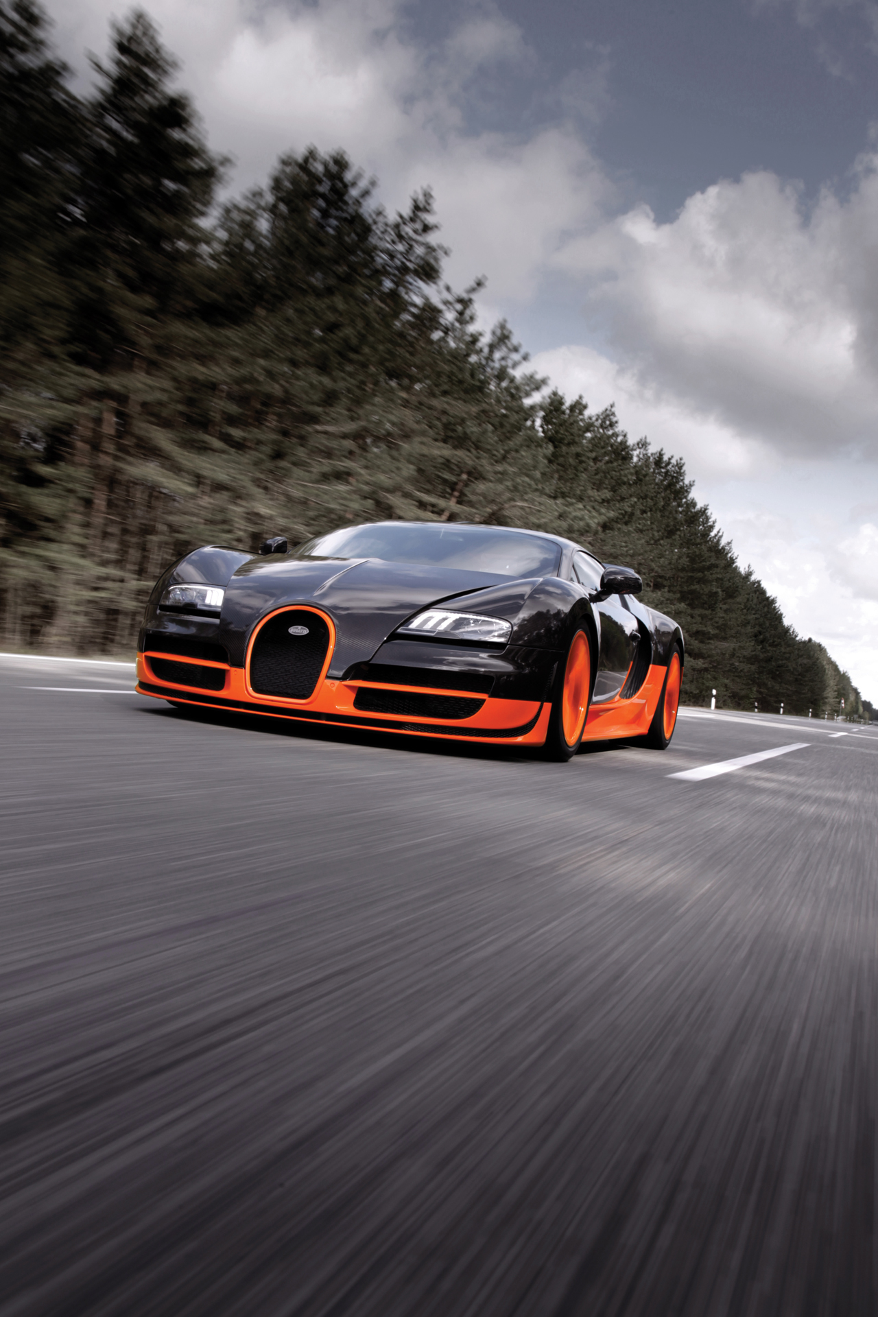 bugatti working on super veyron with 1 8 second 0 60 mph time autoblog. Black Bedroom Furniture Sets. Home Design Ideas