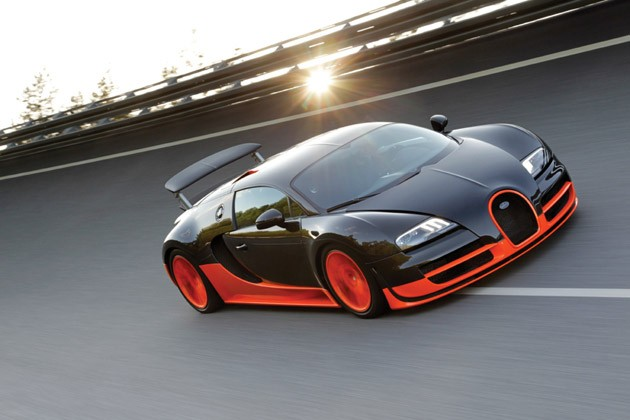 Bugatti Veyron16.4 Super Sport on its record-setting run