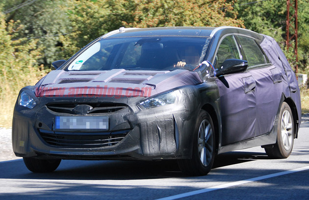 Hyundai Sonata i40 wagon spy shots
