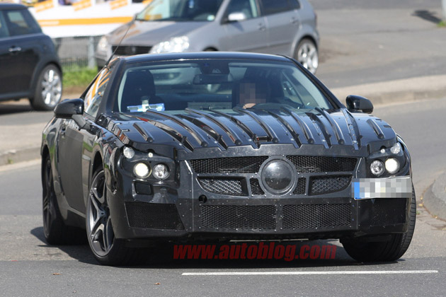Mercedes-Benz SL63 AMG spy shot