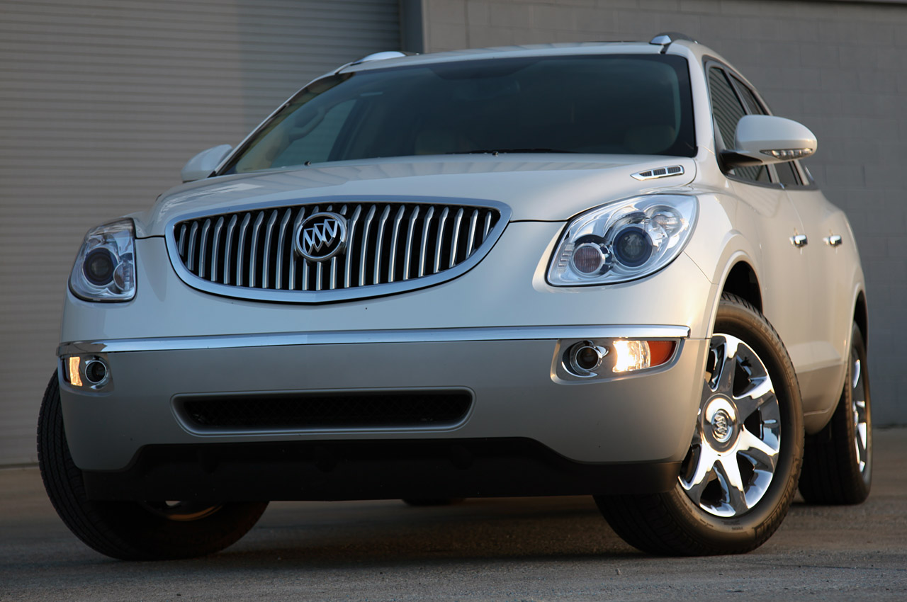review 2010 buick enclave cxl awd autoblog autos post. Black Bedroom Furniture Sets. Home Design Ideas