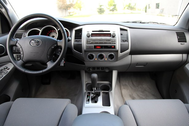 Review 2010 Toyota Tacoma 4x2 Prerunner Is A Troubled Fish In A Shrinking Pond Autoblog