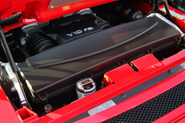 2011 Audi R8 V10 Spyder engine