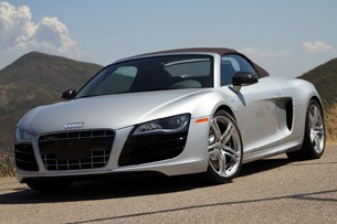 2011 Audi R8 V10 Spyder top-up front view