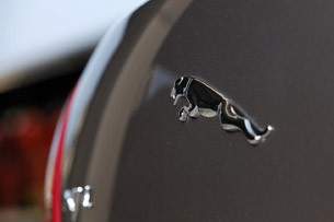2011 Jaguar XJL emblem