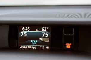 2011 Toyota Sienna display
