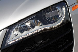 2011 Audi R8 V10 Spyder headlight