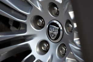 2011 Jaguar XJL wheel