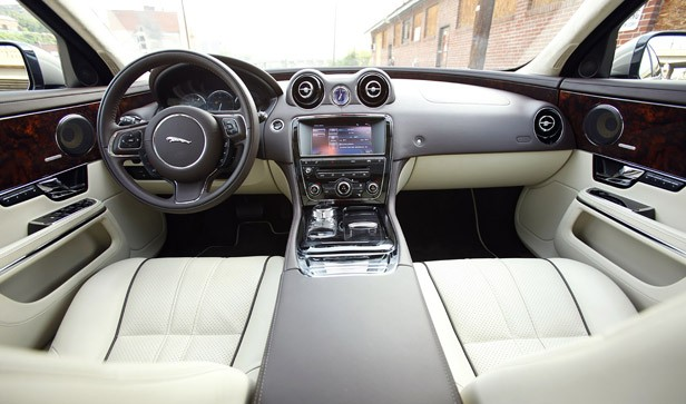 2011 Jaguar XJL interior