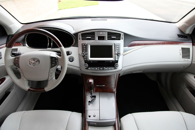 2011 Toyota Avalon Limited 4dr Sedan Specs and Prices