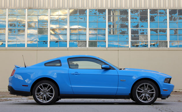 2011 Ford Mustang GT, profile
