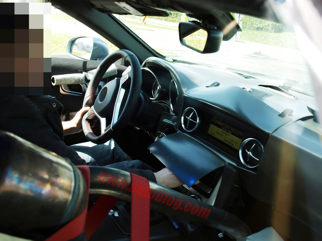 Mercedes-Benz SLK interior spy shot