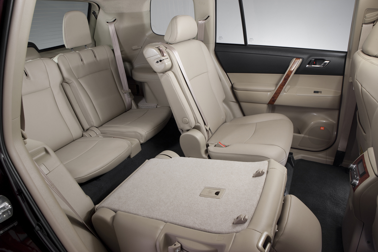 You are here: Photos > 2011 toyota highlander 1