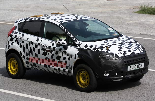 Spy shots: 2011 Ford Fiesta-based crossover