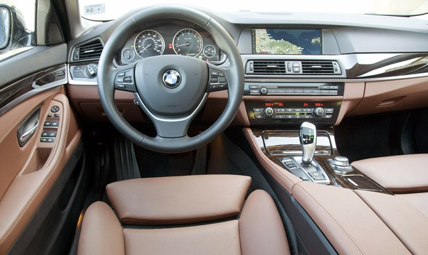 2011 BMW 550i interior