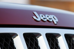 2011 Jeep Grand Cherokee badge