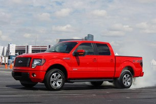 2011 Ford F-150 front 3/4 view