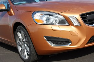 2011 Volvo S60 front detail