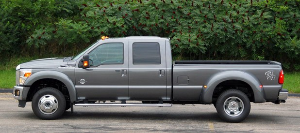 Review 2011 ford f 450 lariat autoblog publicscrutiny Image collections