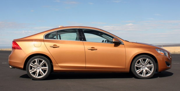 2011 Volvo S60, profile view