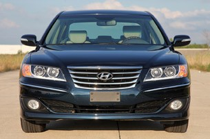 2011 Hyundai Azera Limited front view