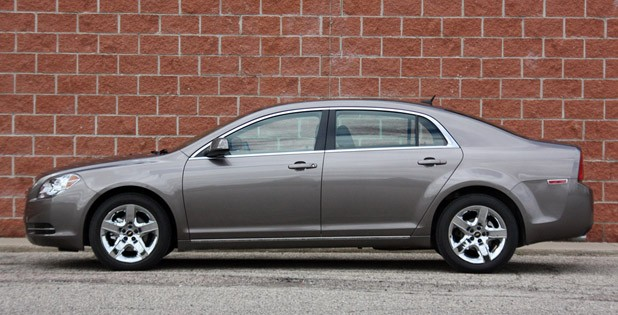 2010 Chevrolet Malibu, profile