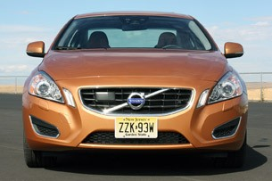 2011 Volvo S60, front view