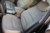 2011 Hyundai Azera Limited front seats