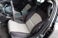 2010 Chevrolet Malibu, front seats