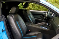 2011 Ford Mustang GT Convertible seats