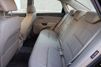 2011 Hyundai Azera Limited rear seats