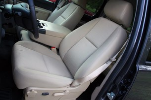 2011 GMC Sierra 3500HD SLE front seats