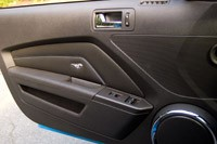 2011 Ford Mustang GT Convertible door panel