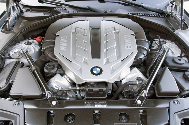 2011 BMW 550i engine