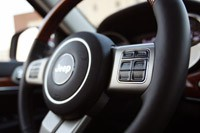 2011 Jeep Grand Cherokee steering wheel