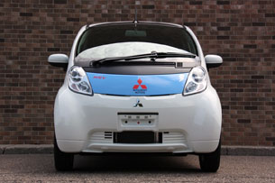2010 Mitsubishi i-MiEV, head-on