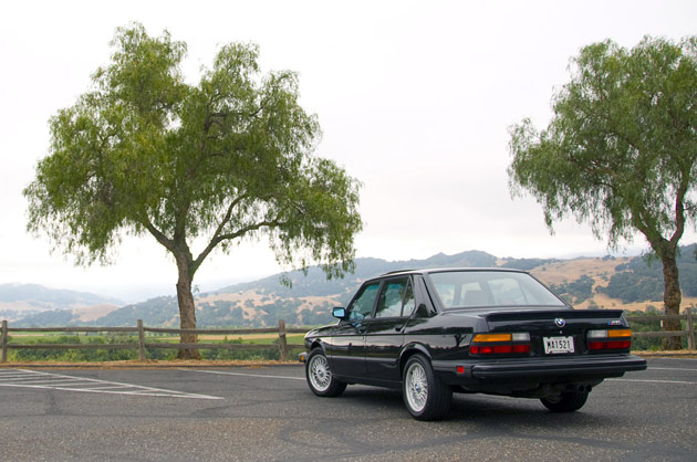 1988 BMW M5 beauty shot