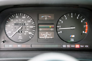 1988 BMW M5 gauges